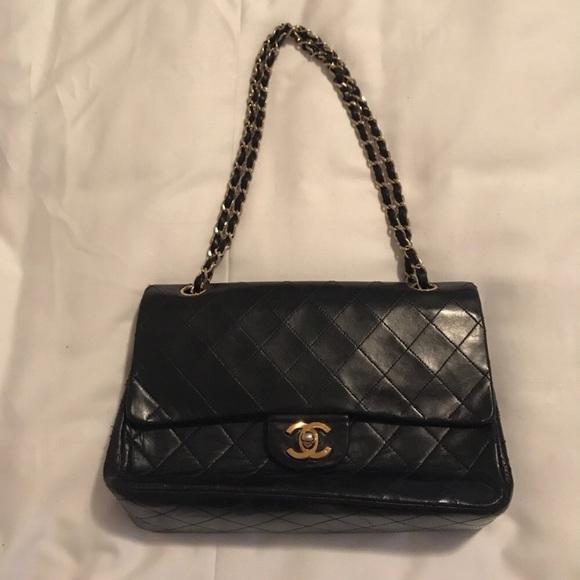 CHANEL Handbags - 🍁FINAL SALE🍂 CHANEL Medium Double Flap Bag 9d9ad02def380